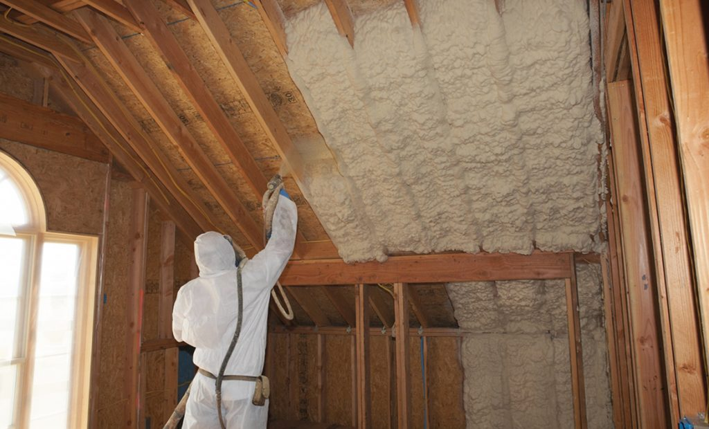 spray for insulation cost